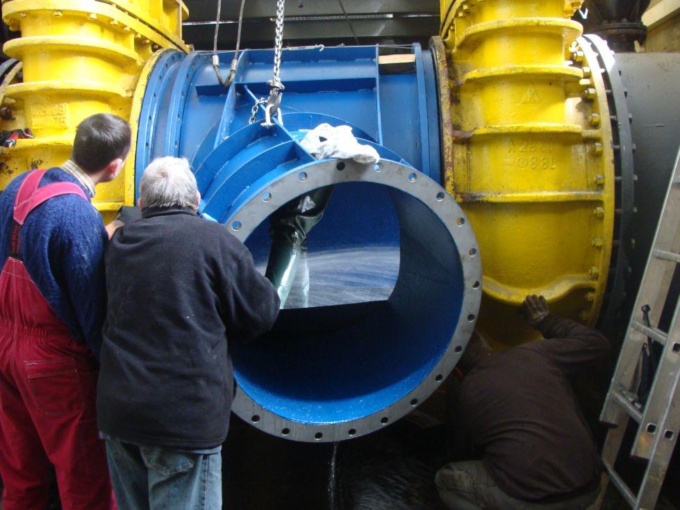 Die Lieferung, die Montage und der Anlauf der Turbine im Wasserkraftwerk Chańcza (Polen)
