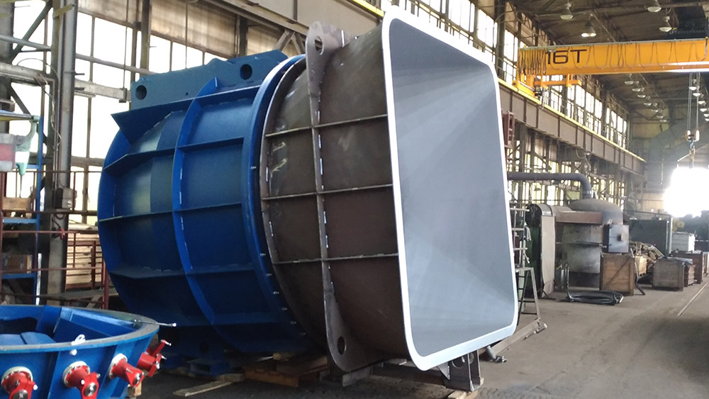 Delivery of turbine at Chertkov hydroelectric power plant (Ukraine)
